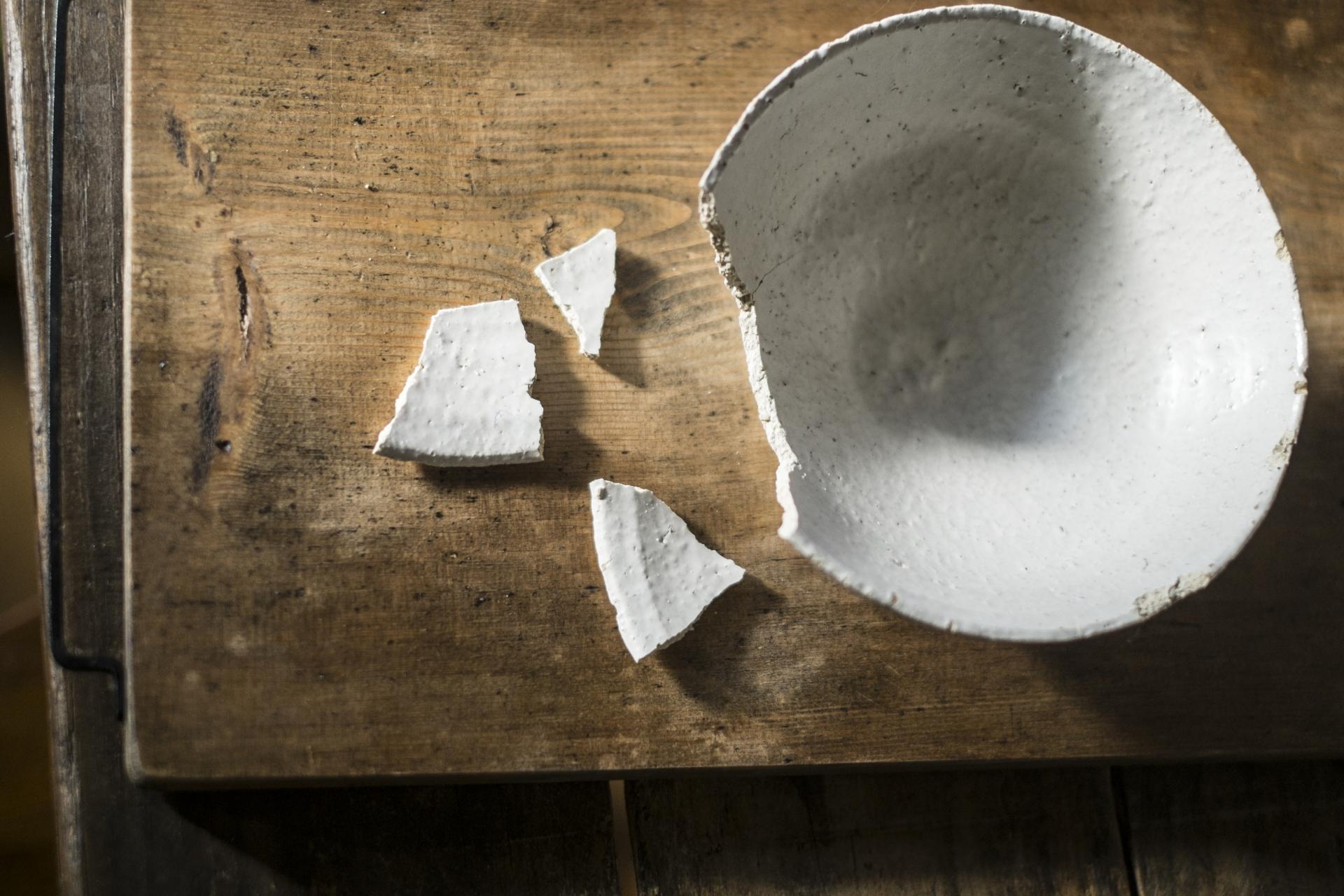 寿命がきた陶器